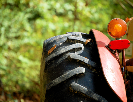 tractor_subventii_agricultura_ferme_familiale_foodnews_romania_cuibus_transylvania_romania_ok
