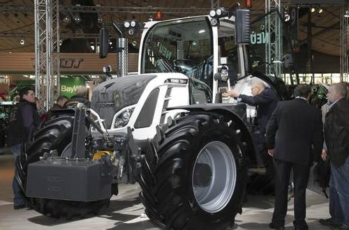 photo_exibition_tractor_AGRITECHNICA_2013_food_news_romania