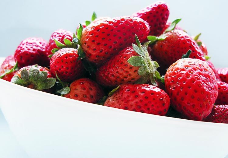 strawberry_capsunile_food_news_romania_cuibus