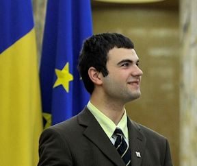 tineri_guvernul_romaniei_internship_food_news_romania